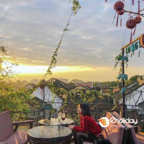 Xiu Up Xiu Down Voi 8 Quan Cafe View Dam Chat Pho Co Hoi An 15
